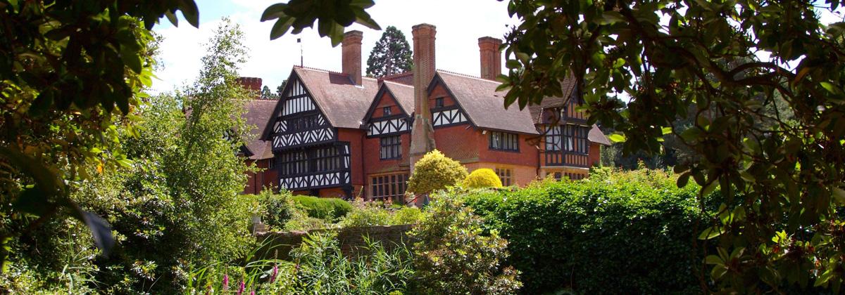 Grim's Dyke House